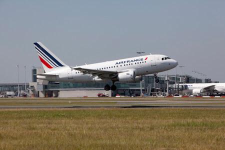 air france airbus a318 takeoff