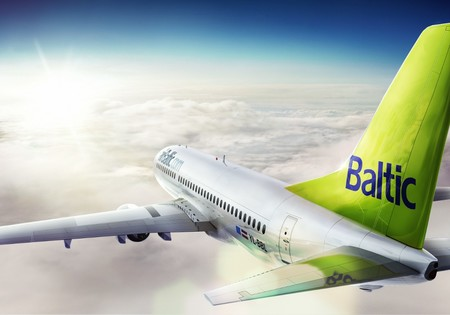 air baltic boeing 737 300 yl bbl airborne in clouds tail closeup