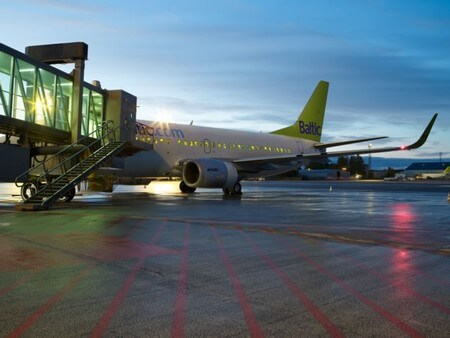 air baltic boeing 737 at airport
