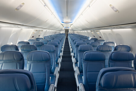 delta air lines boeing 737 900er main cabin economy class