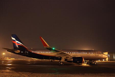 aeroflot airbus a320 200 vq brw apron night