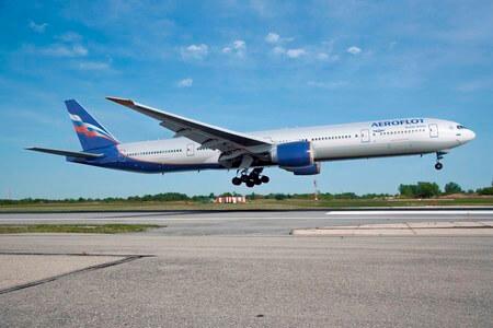 aeroflot boeing 777 300 landing